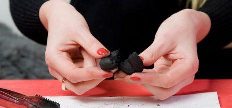 How to break up hookah coal the right way
