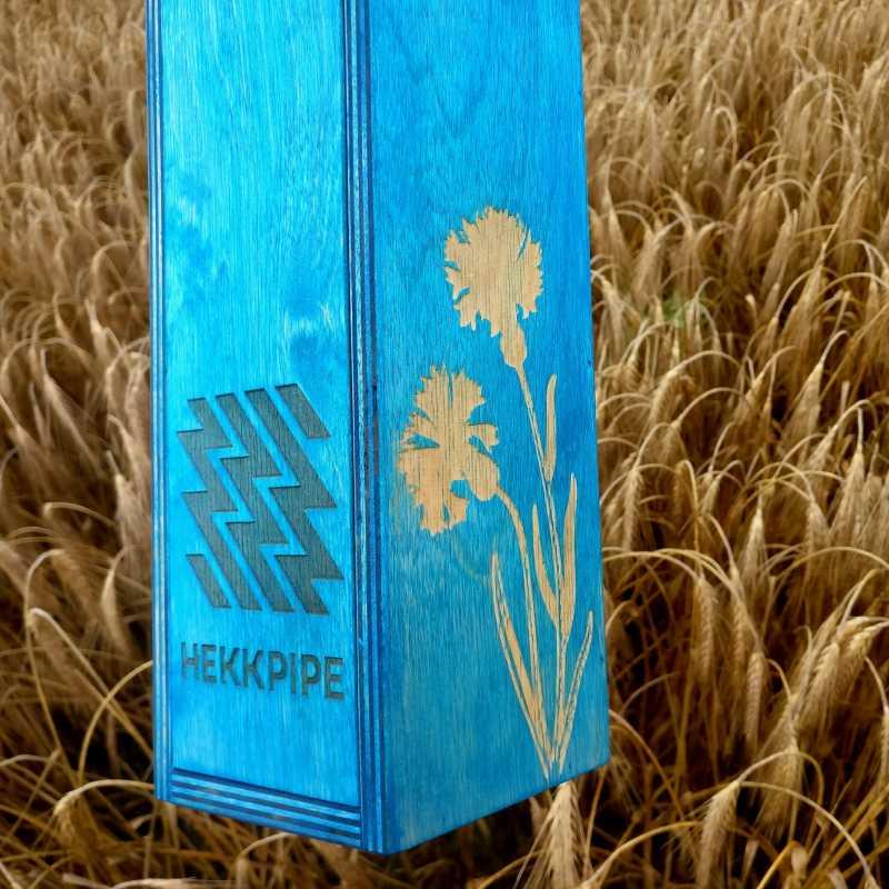 Eesti rahvuslille - rukkilille kohandatud graveering puidust vesipiibul